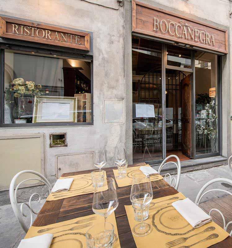 Dehors del Ristorante Boccanegra a Firenze