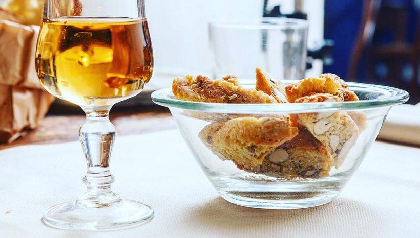 Cantuccini e Vin Santo, dolce tipico toscano del Boccanegra